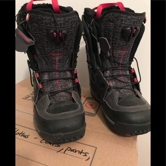hyvännäköinen tukku verkossa todella mukava SALOMON Ivy Women's snowboarding boots size 9